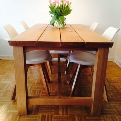 rustic_farmhouse_oak_dining_table